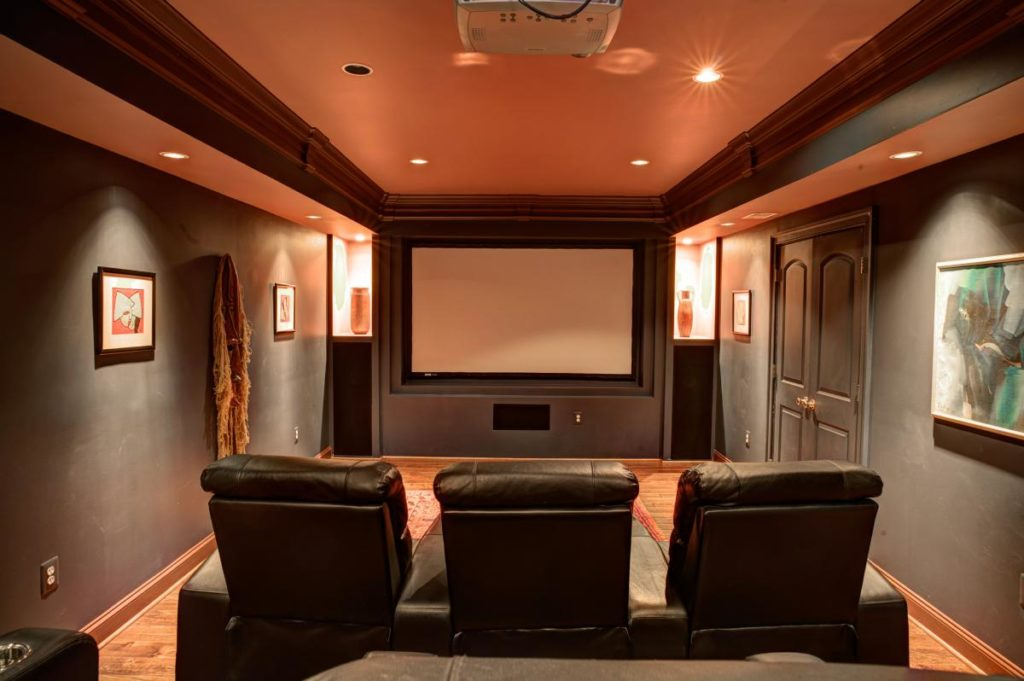 Small-Home-Movie-Theater